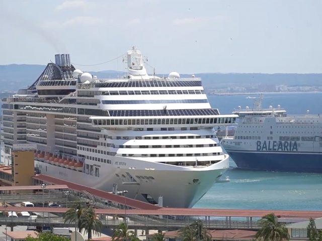 El Departamento de Economía Aplicada de la UIB estudia la actividad de los cruceros en las Illes Balears